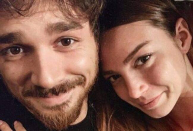 Andrea Cerioli è arrivato giovedì 25 marzo, a L'isola dei famosi: nelle ultime ore, Arianna Cirrincione, la fidanzata del nuovo naufrago, ha scritto un messaggio d'amore per l'uomo