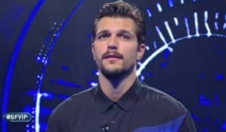 Andrea Zelletta intervistato da SuperGuida Tv, ha lanciato una pronta frecciatina ad un ex concorrente