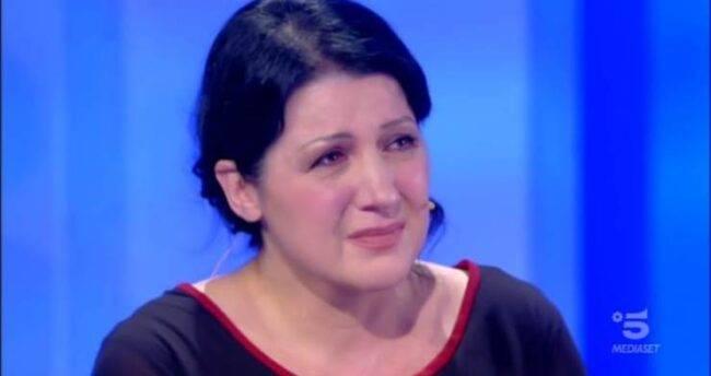 C'è posta per te, Samantha vuole recuperare il rapporto con suo figlio Andrea: