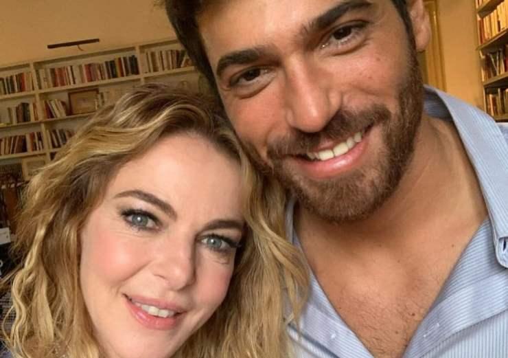 Claudia Gerini sul suo profilo instagram ha da qualche ora rivelato cosa sta per accadere: una clamorosa novità che vede la presenza anche di Can Yaman