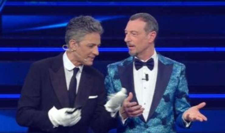 Sanremo 2021, Fiorello l'ha detto in diretta, durante la kermesse musicale, la confessione inedita ha colpito il pubblico