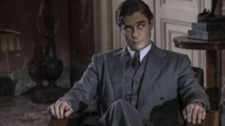 Il commissario Ricciardi, Antonio Milo, l'attore che interpreta il brigadiere Maione su instagram ha svelato un particolare aneddoto: cos'è successo
