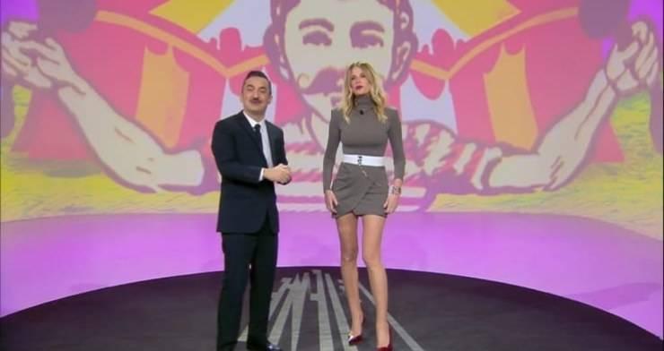 Alessia Marcuzzi ha sfoggiato nella serata di ieri un look strepitoso, a Le iene: conoscete il prezzo del suo vestito?