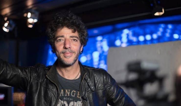Max Gazzè è l'artista in gara al festival di Sanremo 2021, ma sapete che ha una famiglia numerosa? Quanti figli ha il cantante