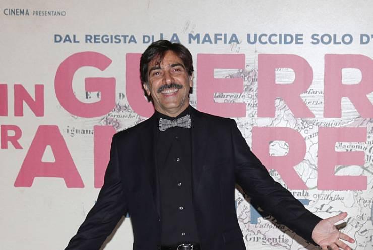 Sergio Vespertino è il maresciallo nella serie televisiva Màkari: ma ricordate dove l'abbiamo visto in passato?