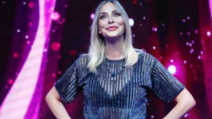 Stefania Orlando l'ha rivelato soltanto adesso, intervistata dal dal settimanale Chi ha manifestato i suoi pensieri: C'entra anche Tommaso Zorzi