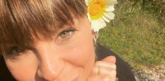 Alessandra Amoroso, l'avete mai vista da piccolissima? La foto del passato: che dolcezza!