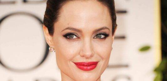 Angelina Jolie e quel brano indimenticabile: ricordate a quale celebre videoclip ha pertecipato?