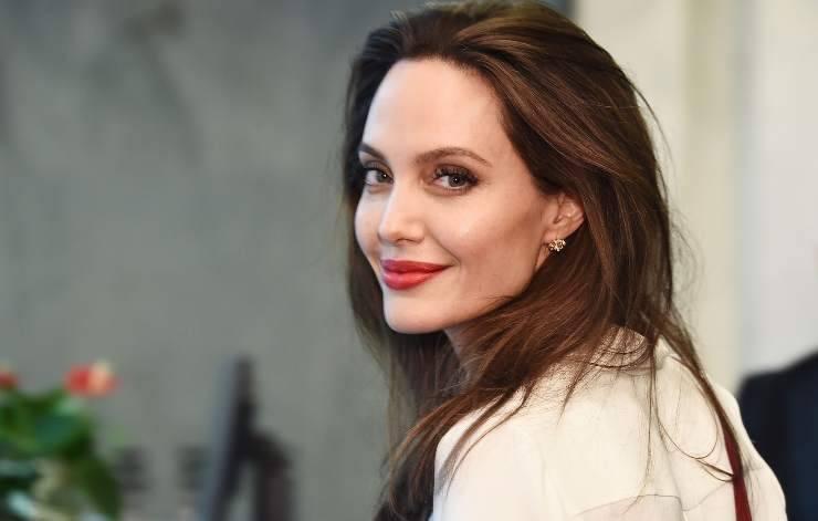 Angelina Jolie videoclip