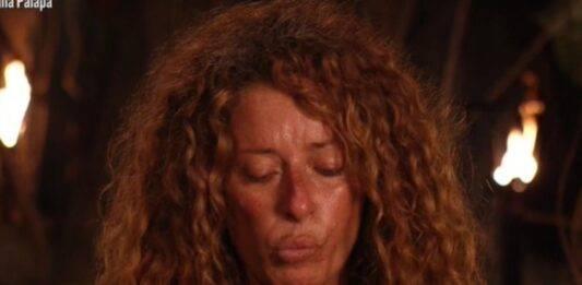 """Isola dei Famosi, Valentina Persia ricorda il suo compagno scomparso: """"Sono diciassette anni che non c'è più"""", parole da brividi"""