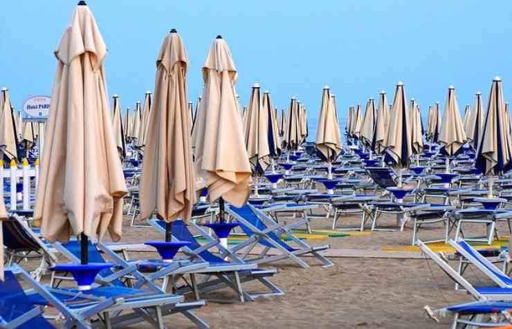 spiaggia riaperture covid