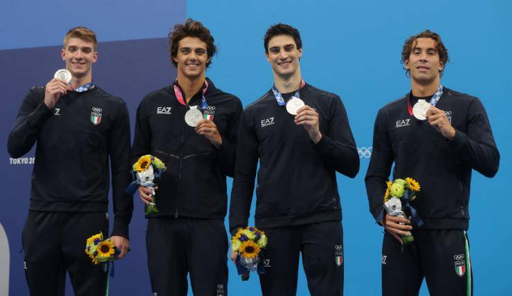 nuotatori 4x100 stile libero
