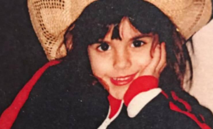 amata showgirl bambina