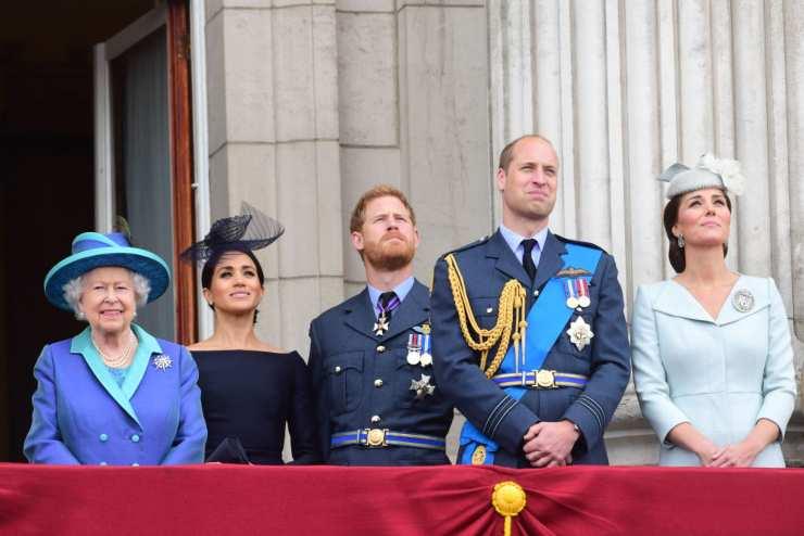 royal family regina elisabetta