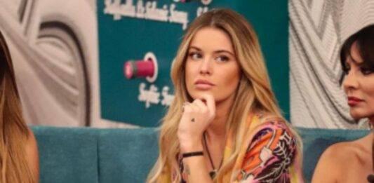 GF VIP, mix di colori per Sophie Codegoni: il look low cost dell'11esima puntata conquista tutte