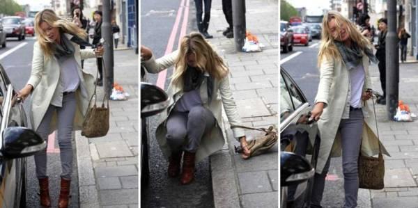 Kate Moss cade a Londra Kate Moss cade per strada a Londra: dive sempre più umane...