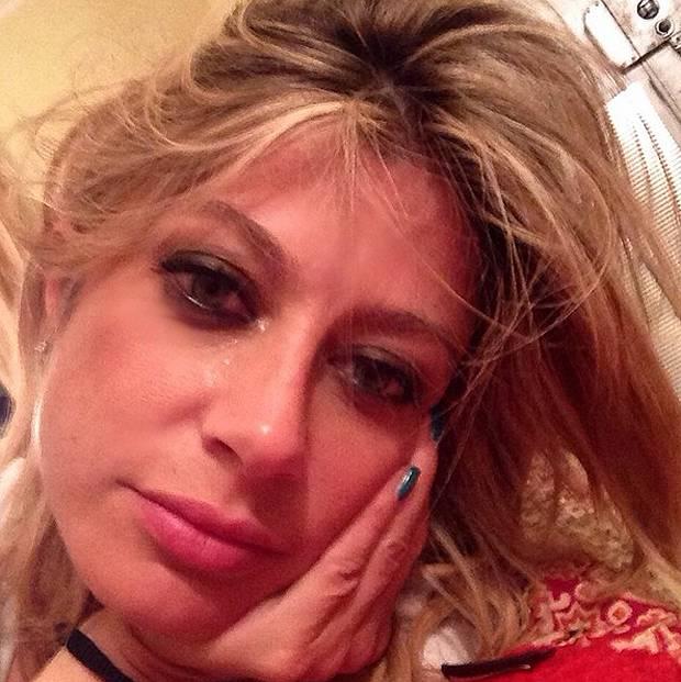 Maddalena Corvaglia piange