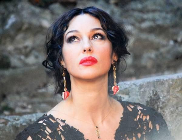 Monica Gabbana Bellucci Spot Nuovo A Portofino Per Il Dolceamp; Di DH29YWEI