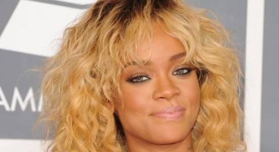 Rihanna3 Rihanna stanca di essere single alla ricerca dellanima gemella