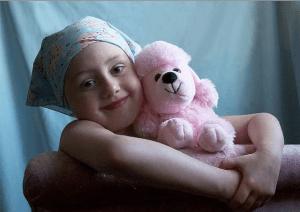bambina con il cancro