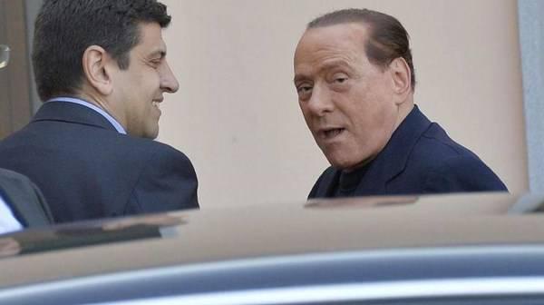 Silvio Berlusconi sconta la condanna