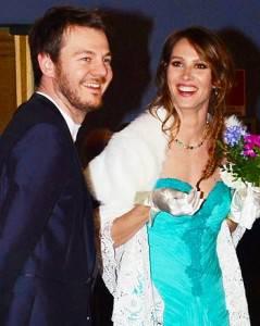 http://www.sologossip.it/wp-content/uploads/alessandro_cattelan_ha_sposato_in_comune_a_milano_la_sua_storica_fidanzata_ludovica_sauer_7c58.jpg