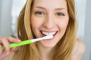 come-lavare-denti-consigli