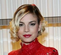 Emma Marrone: donna in rosso alla Milano Fashion Week