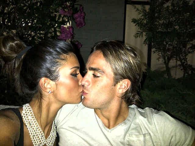 federica-nargi-bacia-il-fidanzato-alessandro-matri-per-il-compleanno-twitter-2012-1