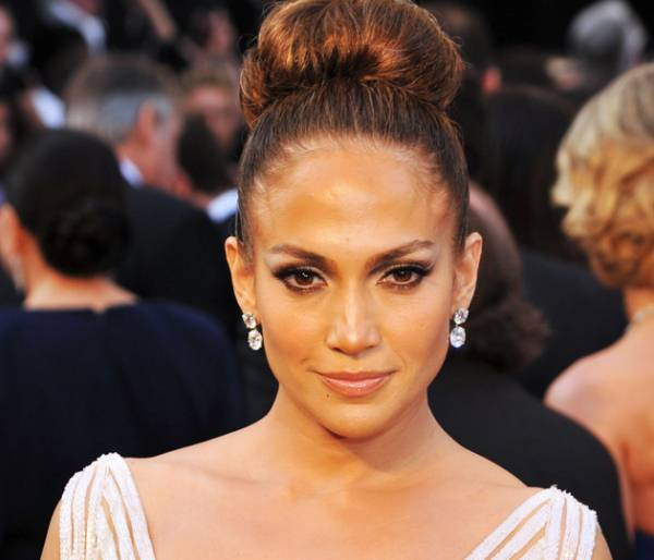 jennifer lopez makeup Make up tutorial di Jennifer Lopez alla notte degli Oscar 2012   VIDEO
