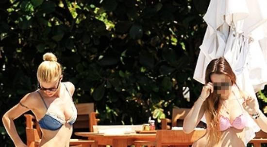 michelle hunziker con la figlia aurora ffe8 Michelle Hunziker e la figlia Aurora in vacanza a Miami   Foto
