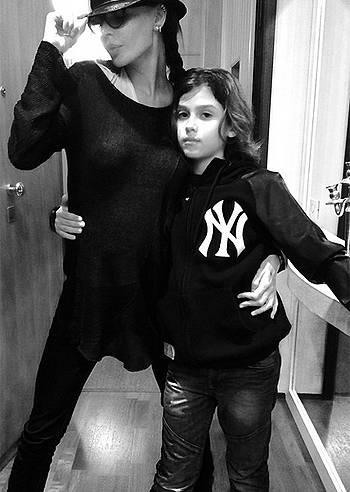 Nina Moric e figlio Carlos