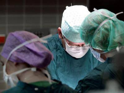 uomo guarisce dal tumore grazie a un nuov farmaco