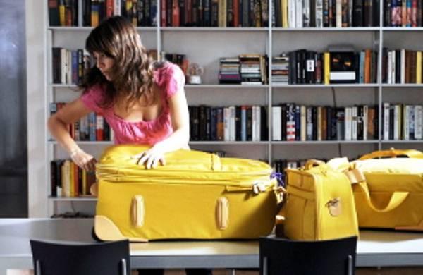 Cosmetici in aereo tutto per il make up e la cura della - Quanti bagagli si possono portare in crociera ...